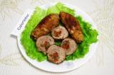Готовое блюдо: свиные рулетики с перцем