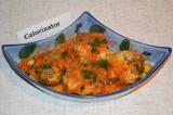 Готовое блюдо: хек в томатном соусе с овощами