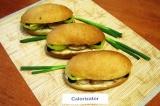 Готовое блюдо: сэндвичи с жареной курицей