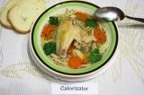 Готовое блюдо: куриный суп с морковью