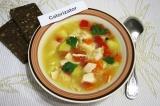 Готовое блюдо: суп из куриного филе и овощей