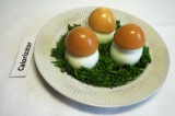 Готовое блюдо: грибочки из яиц