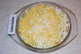 Шаг 5. Яйца отварить, остудить и очистить. Желтки отделить от белков. Желтки нат
