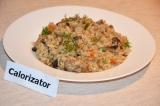 Готовое блюдо: плов с грибами и мясом