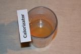 Шаг 5. Быстрорастворимый желатин развести в горячей воде, следуя инструкции на