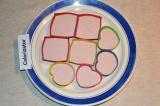 Шаг 7. Желе разлить по формочкам и поставить в холодильник до полного застывания