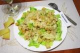 Готовое блюдо: салат Цезарь