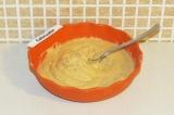 Шаг 5. Соединить сухие и жидкие ингредиенты и подождать минут 10.