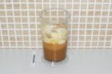 Шаг 6. Смешать жидкие и сухие ингредиенты.