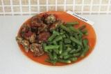 Готовое блюдо: куриная грудка в оливковом маринаде