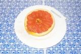Готовое блюдо: грейпфрут с медом и имбирем