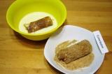 Шаг 9. Для панировки смешать молоко и яйца. Отдельно панировочные сухари приправ