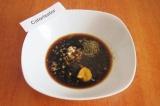 Шаг 3. Влить соевый соус, добавить горчицу, соль и специи: прованские травы