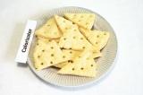 Готовое блюдо: сырные крекеры