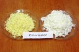 Шаг 7. Отделить белки от желтков. Белки натереть отдельно на крупной терке, желт