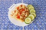 Готовое блюдо: куриное филе с цветной капустой и сметаной