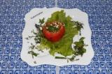 Готовое блюдо: помидор, запеченный с творогом и зеленью