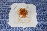 Готовое блюдо: яблоко запеченное с творогом и имбирем