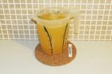 Шаг 4. Смешать сок лимона с соком из апельсинов.