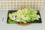Шаг 3. Нашинковать капусту.