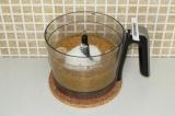 Шаг 5. Добавить 20 грамм кокосовой стружки и взбитый кокос. Взбить блендером.