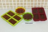 Шаг 5. Разлить массу по формам и поставить в холодильник до полного застывания.