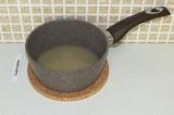Шаг 5. Агар-агар залить водой на 10 минут.