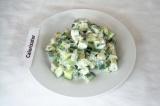 Готовое блюдо: салат из цуккини с огурцом