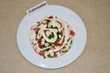 Шаг 5. Все ингредиенты соединить и добавить сметану или домашний йогурт.