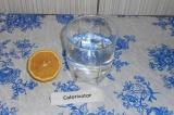 Шаг 3. В воду добавить лимонный сок.