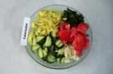 Шаг 7. Смешать все компоненты салата.