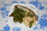 Готовое блюдо: минтай с брокколи и цветной капустой на пару