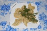 Готовое блюдо: вареники с куриным фаршем и зеленью