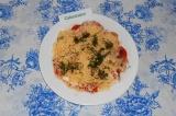 Готовое блюдо: салат из помидоров и фетаксы