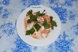Готовое блюдо: салат из репки и моркови со сметаной