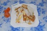 Шаг 9. Перед подачей украсить дольками мандарина (без косточек).