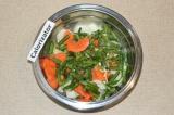 Шаг 4. К овощам добавить стручковую фасоль.