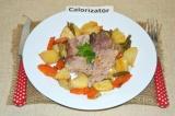Готовое блюдо: свиная рулька  с фасолью и картофелем