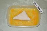 Шаг 5. Лаваш обмакнуть в сбитом яйце и обжарить на сковороде с обеих сторон.