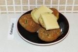 Готовое блюдо: булочки из кабачка с сыром