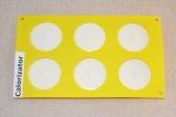 Шаг 6. Разлить желе по формочкам или креманкам. Отправить желе в холодильник