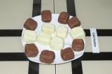 Шаг 6. Сформировать конфетки любой формы из двух масс.
