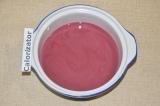 Шаг 3. Соединить йогурт и сок.