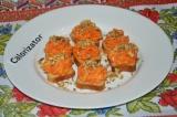 Закуска на гренках с морковью
