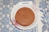 Шаг 5. Во вторую часть творога добавить какао, хорошо перемешать.