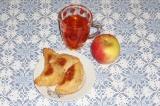 Готовое блюдо: творожные пирожки с яблочной начинкой