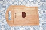 Шаг 4. Руками сформировать небольшое пирожное.