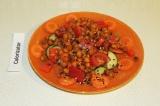 Готовое блюдо: салат с запеченным нутом