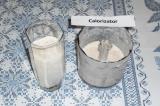 Шаг 5. Разлить готовый коктейль по стаканам. Украсить половинками чернослива.