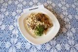 Готовое блюдо: каша перловая с грибами
